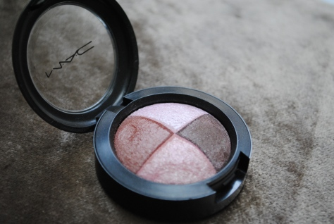 MAC Pink Sensibilities Mineralize Eye shadow