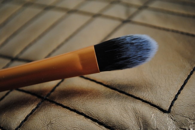 Pointed Foundation brush