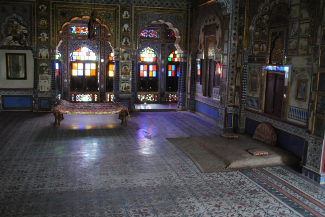 Takhat Vilas - Sleeping quarters of the king. The ceiling has colored glass balls for decoration and lighting.