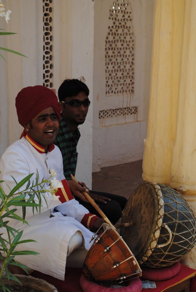 A folk singer at the fort