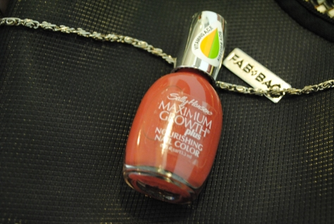 Sally Hansen Maximum Growth Plus Nail Color in Tender Mulberry