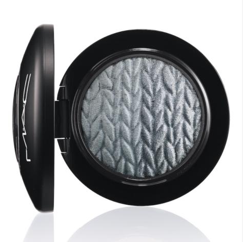 MAC Mineralize Eye Shadow in Just Breathe