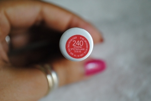 Revlon Colorburst Matte Lip Balm in Striking