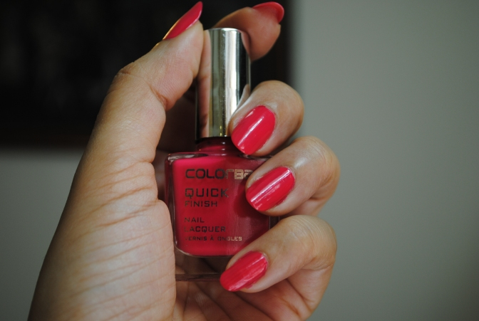 Colorbar Quick Finish Nail Paint in Oodles of Pink