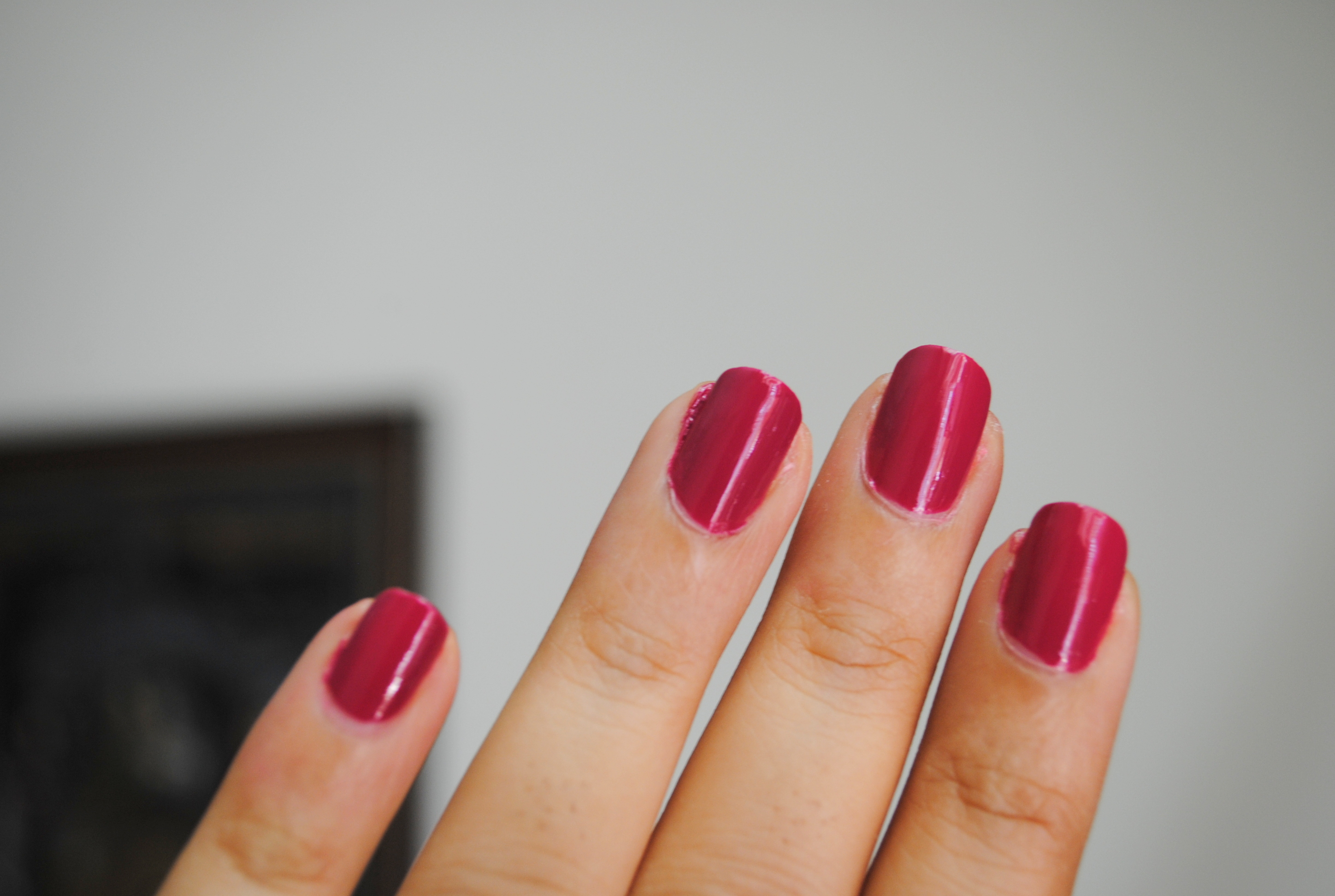 Colorbar Nail Lacquer \'Oh My Magenta 2\' Review | Blushes & Sparkle