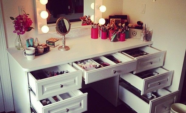 Makeup Essentials for Your Winter Vanity Case