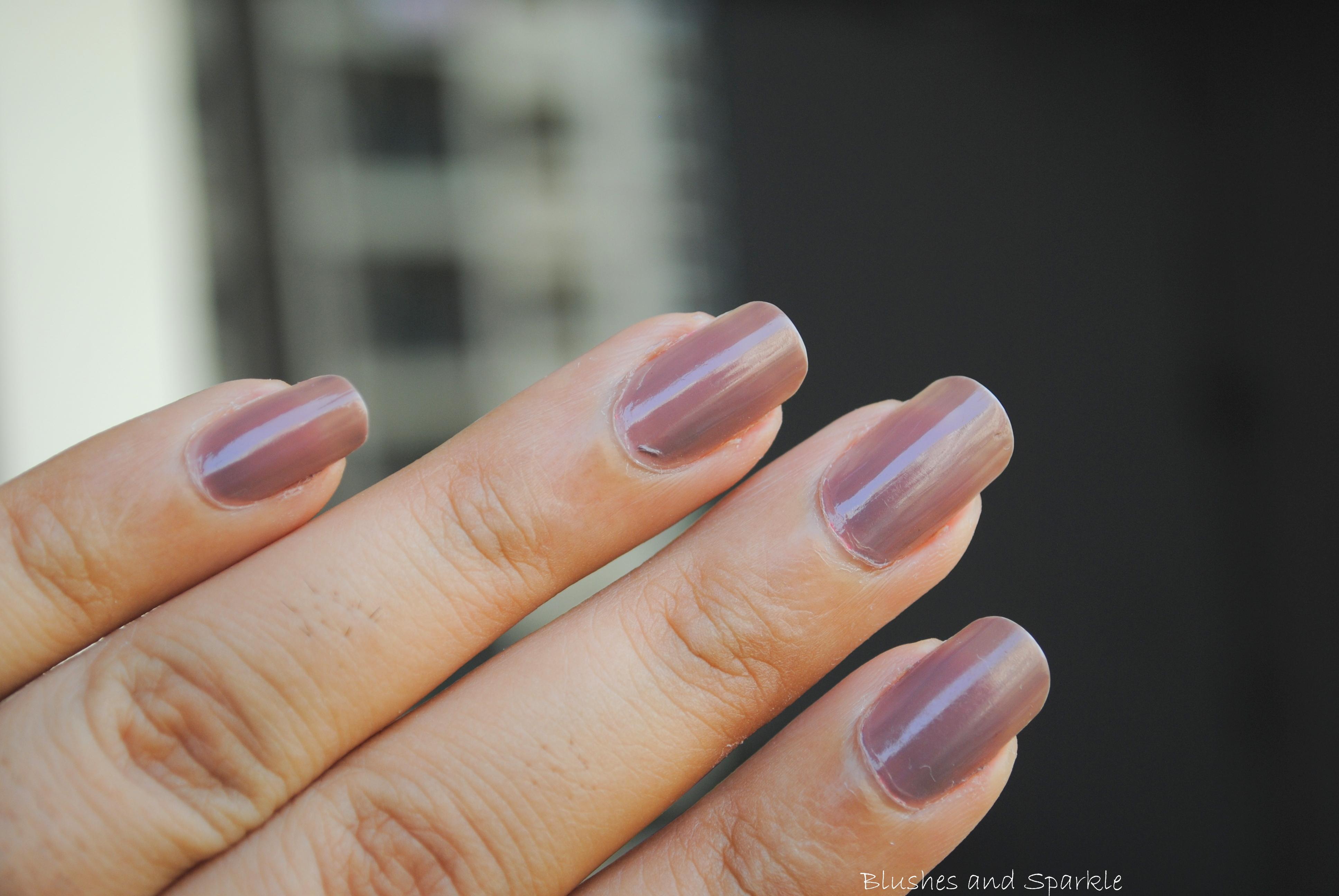 Colorbar Exclusive Nail Enamel in Dusky Mauve | Blushes & Sparkle